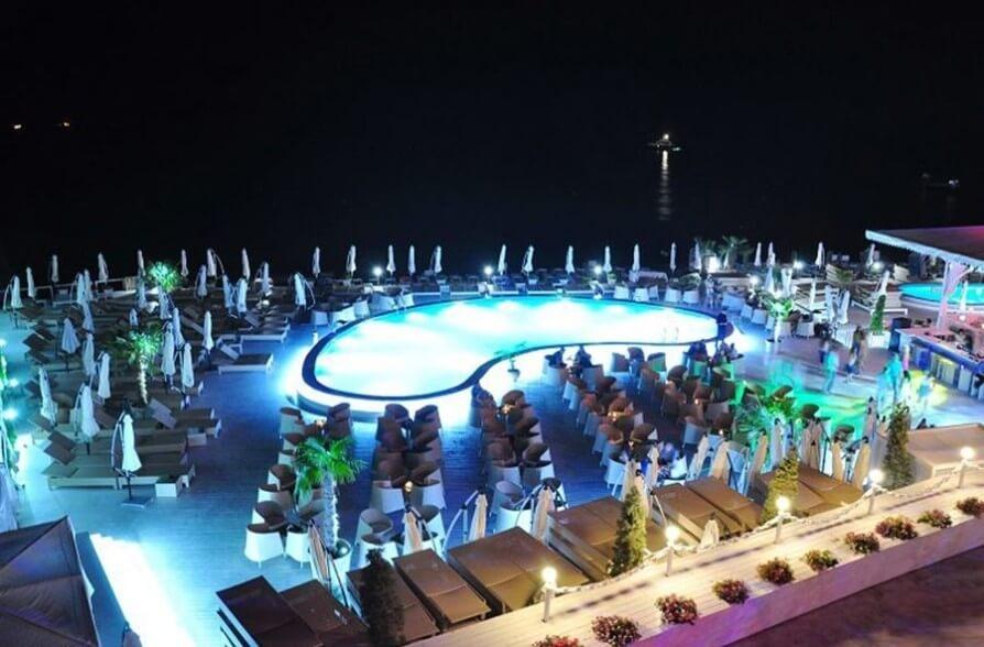 Літній майданчик нічного клубу «Ітака»